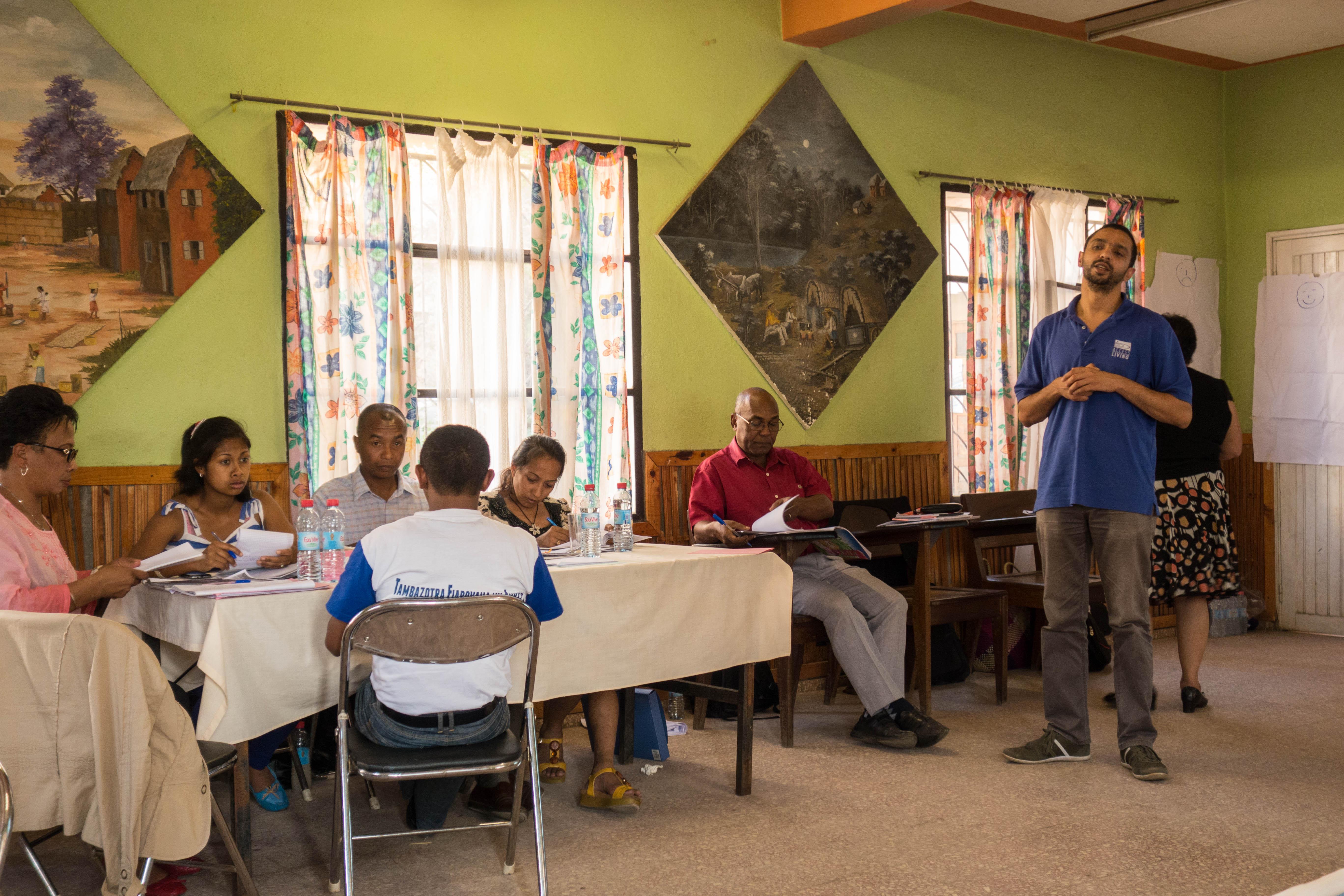 Bild eines Trainings von Behindertenverbänden in Madagaskar