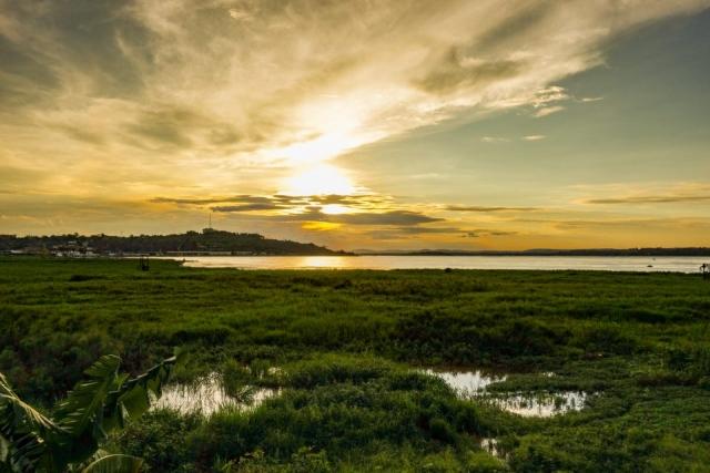 Blick über den Fluss Kongo nach Brazzaville