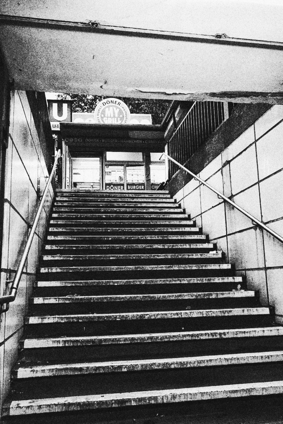 U-Bahn Treppe Leinestraße